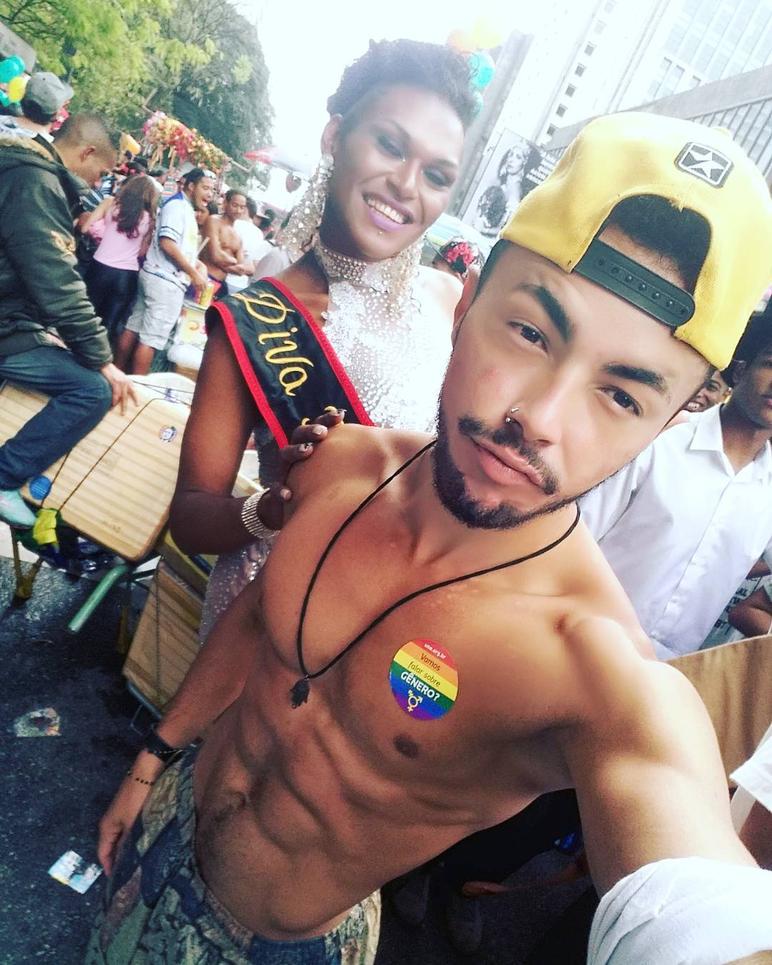 gay selfie sao paulo